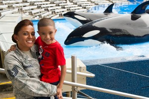 Seaworld-military-kids-and-whales